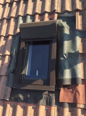 Riparazione finestra vecchia con perdita d 39 acqua elimar srl for Finestra con gocce d acqua