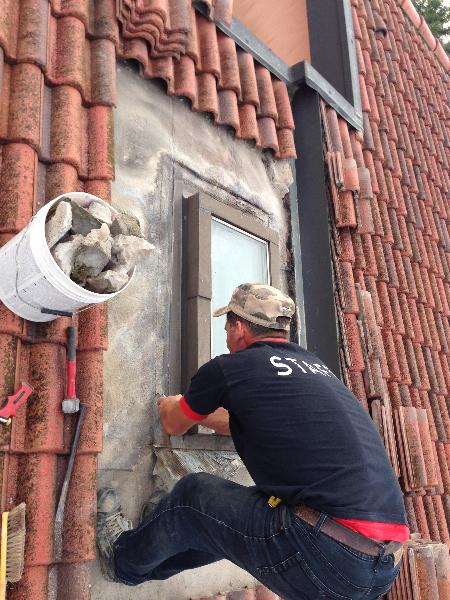 Finestre da tetto su misura velux fakro roto elimar srl for Montaggio velux