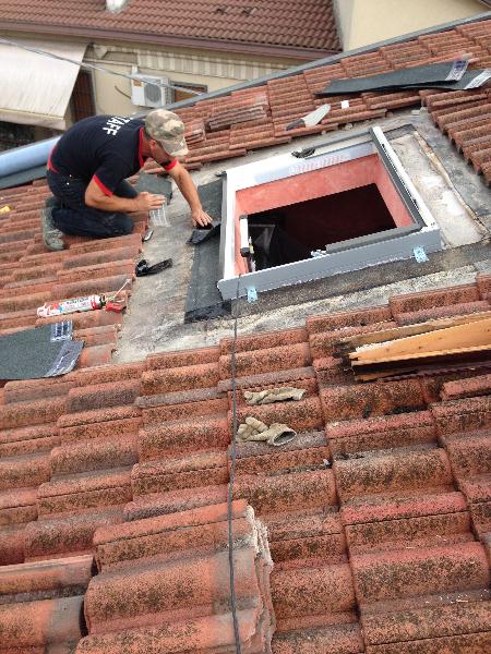 Finestre da tetto su misura velux fakro roto elimar srl for Finestre a tetto